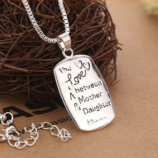HusbandAndWife Long State Necklace Nebraska and Louisiana The Love Between Mother and Daughter Knows No Distance Funny Necklace Mom and Daughter Gifts for Long Distance Mom Jewelry for Women
