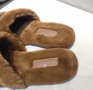 LOUIS VUITTON Plush Mink Fur Slippers! Authentic