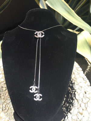 CHANEL Auth Lariat Necklace w Dangling Logo Cs