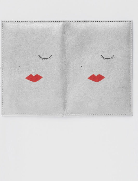 LIPSTICK GIRL Passport Case