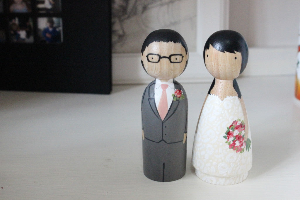 peg dolls with glasses