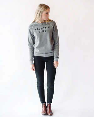 Mountain Time Sweatshirt | grey