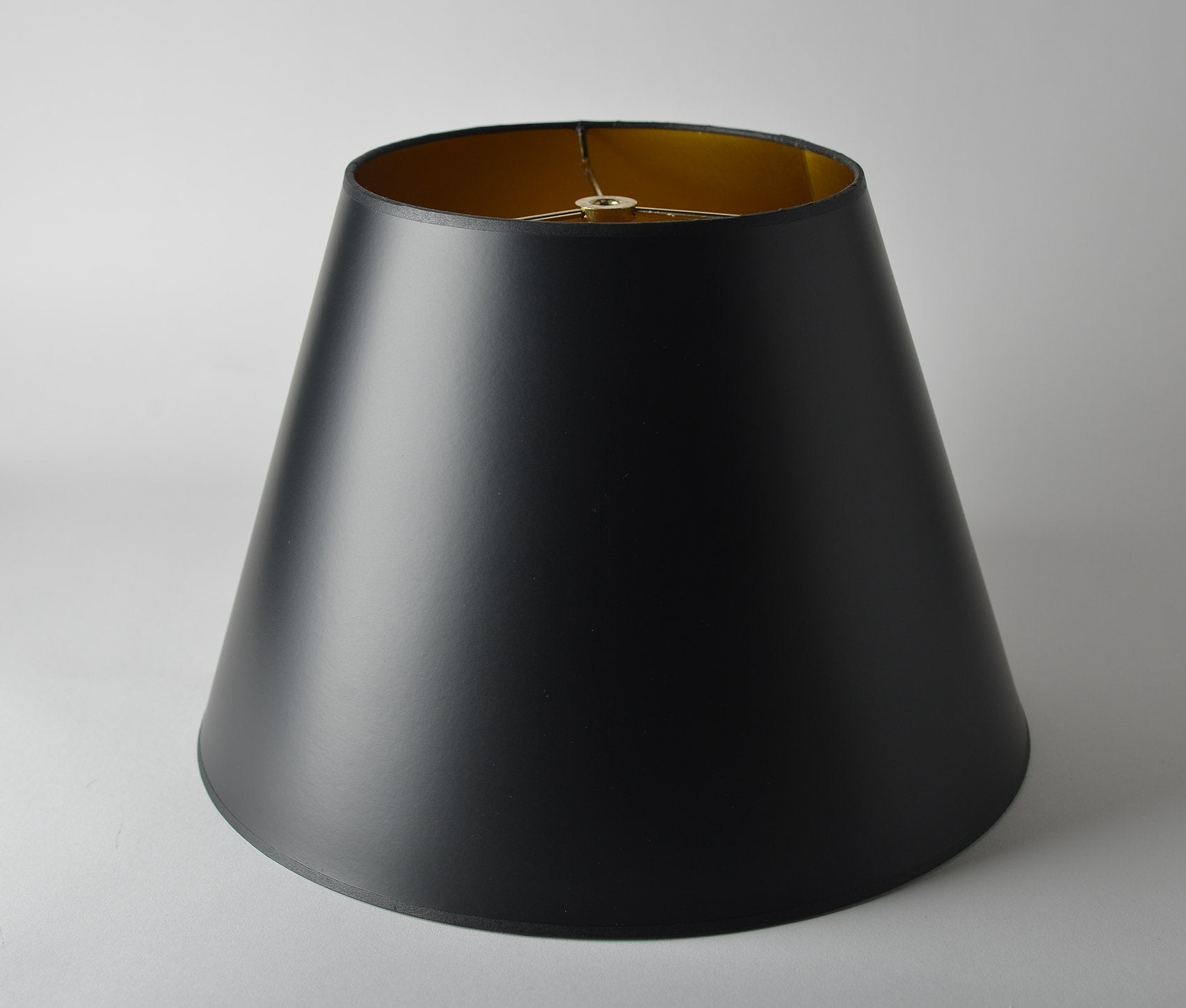 Opaque Paper Empire Black/Gold Interior