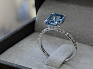 12X7MM 14K White Gold Aquamarin Engagement Ring