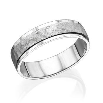 5.5MM 14K White Gold Hammered Center Wedding Band