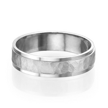 Load image into Gallery viewer, 5.5MM 14K White Gold Hammered Center Wedding Band