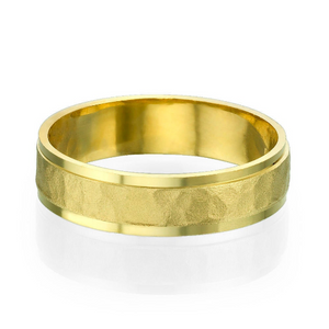 5.5MM 14K Yellow Gold Hammered Center Wedding Band
