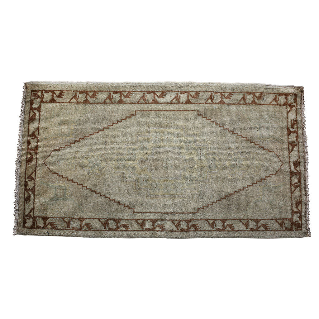 "Rug 3292: Vintage Turkish Rug (22"" x 40 1/2"")"