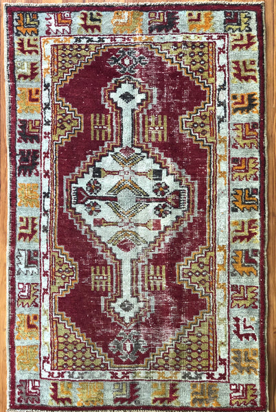 "Rug B14274 Vintage Turkish Rug (2' 7"" x 4' 11"")"