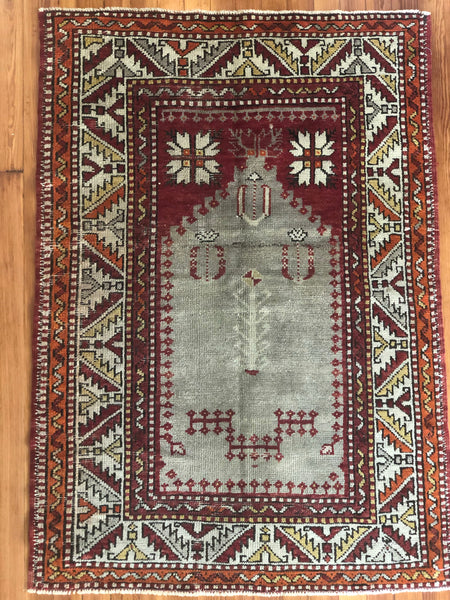 "Rug B12795 Vintage Turkish Rug (3' 2"" x 4' 5"")"