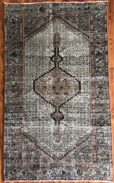 "Rug B16120 Vintage Turkish Rug (3' x 5' 1"")"