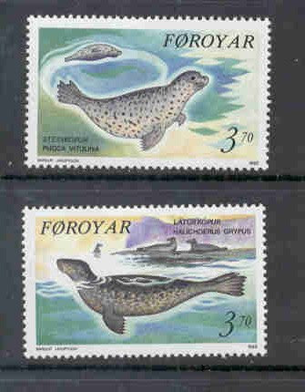 Faroe  Islands Scott 239-40 1992 Seals stamp set mint NH