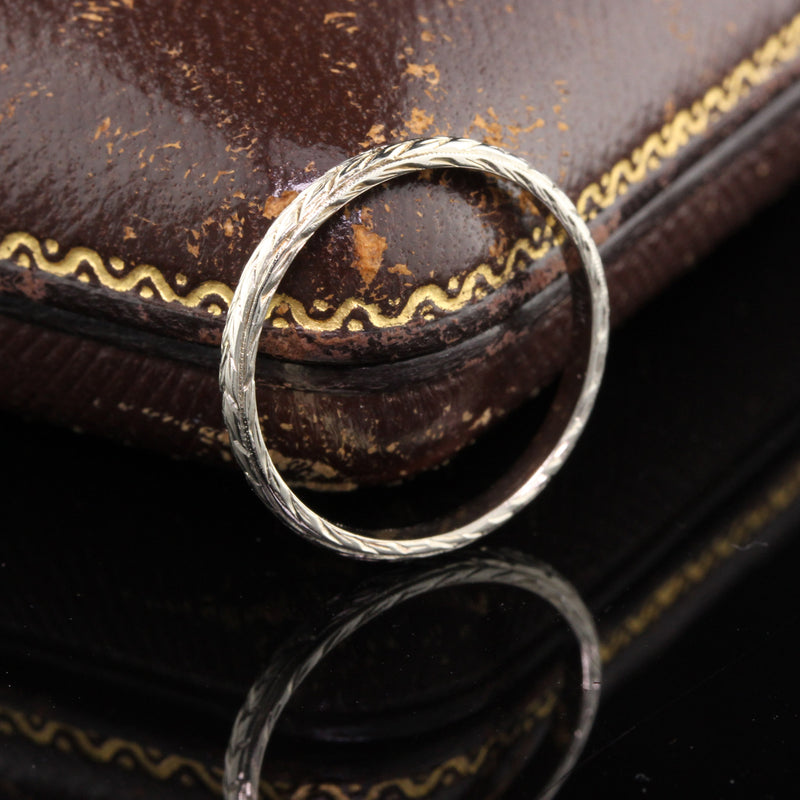Antique Art Deco 14K White Gold Engraved Wedding Band - Size 6.5 - The Antique Parlour