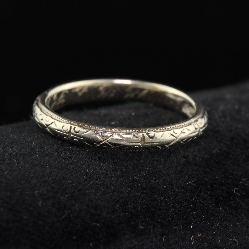 Circa 1922 - Antique Art Deco 18K White Gold Engraved Wedding Band - Size 5 1/4