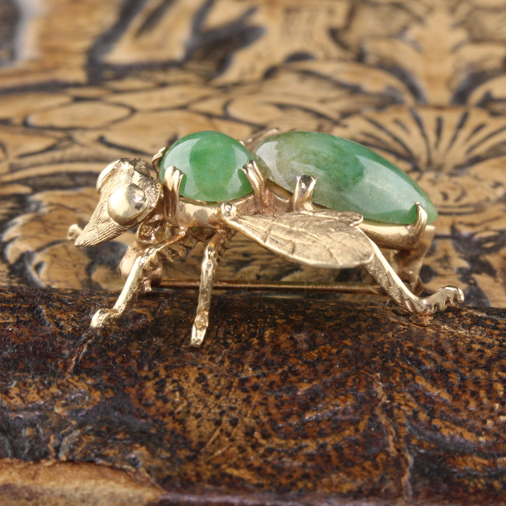 Vintage Estate 14K Yellow Gold Jade Bee Brooch - The Antique Parlour