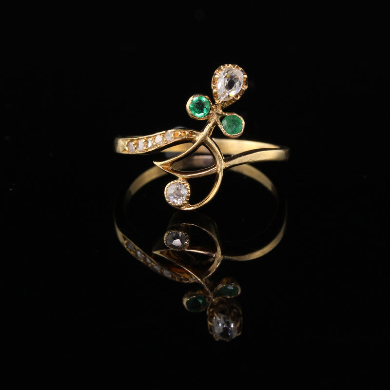 Antique Art Nouveau 18K Yellow Gold Diamond & Emerald Ring