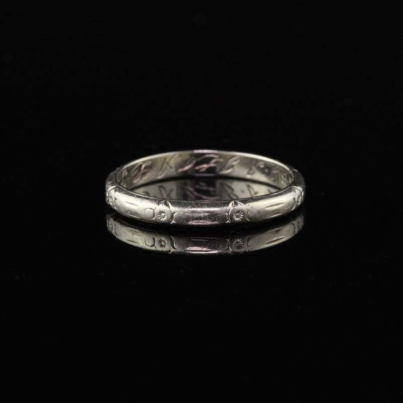 Circa 1931 - Antique Art Deco 18K White Gold Engraved Wedding Band - Size 5 1/4