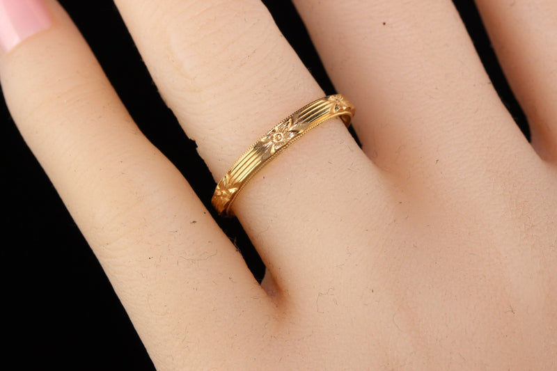 Antique Art Deco 14K Yellow Gold Engraved Wedding Band - Size 8 1/2