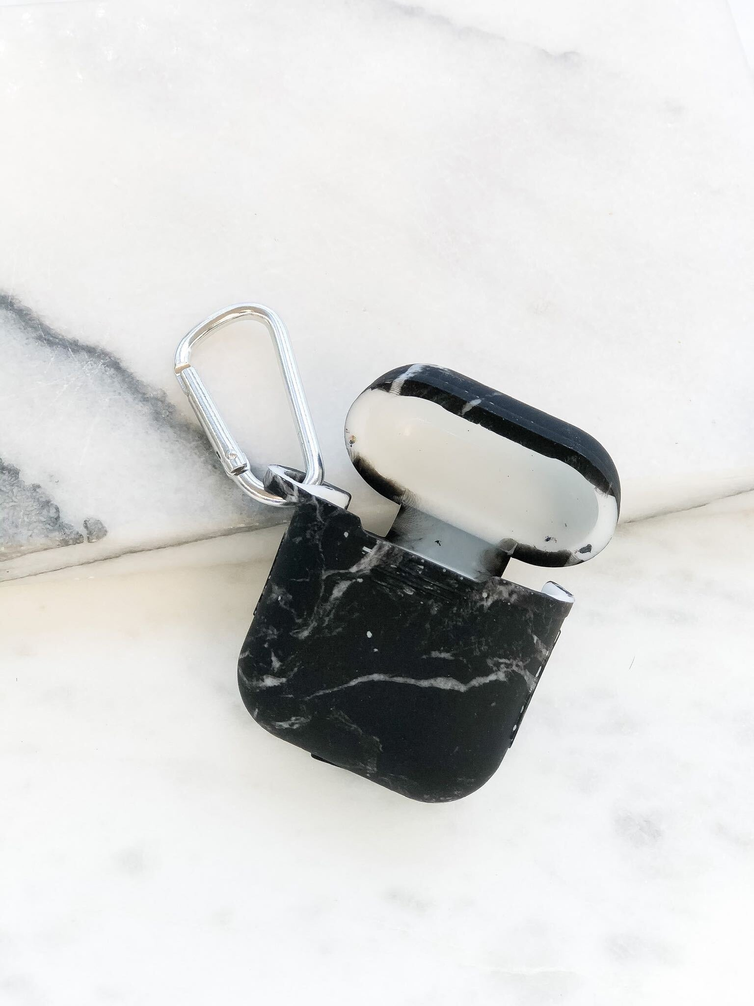 Silicone Air Pod Case with Clip - Black Marble