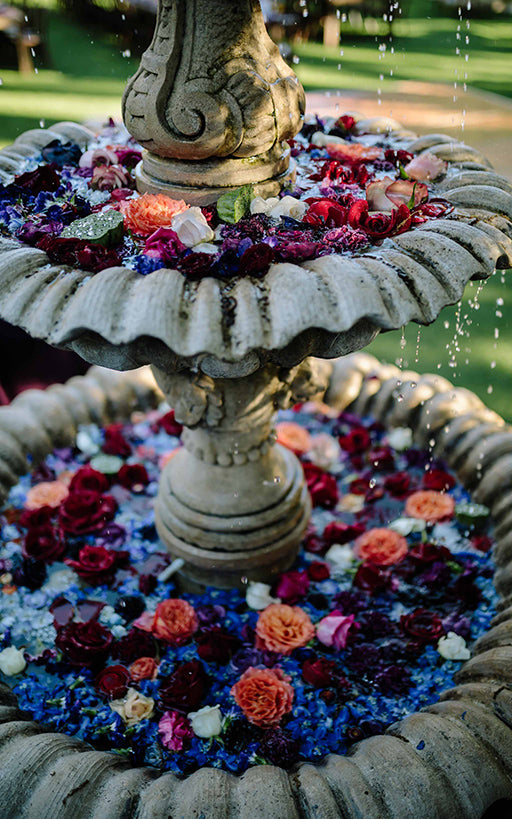Fountain with Flowers Wedding Ideas