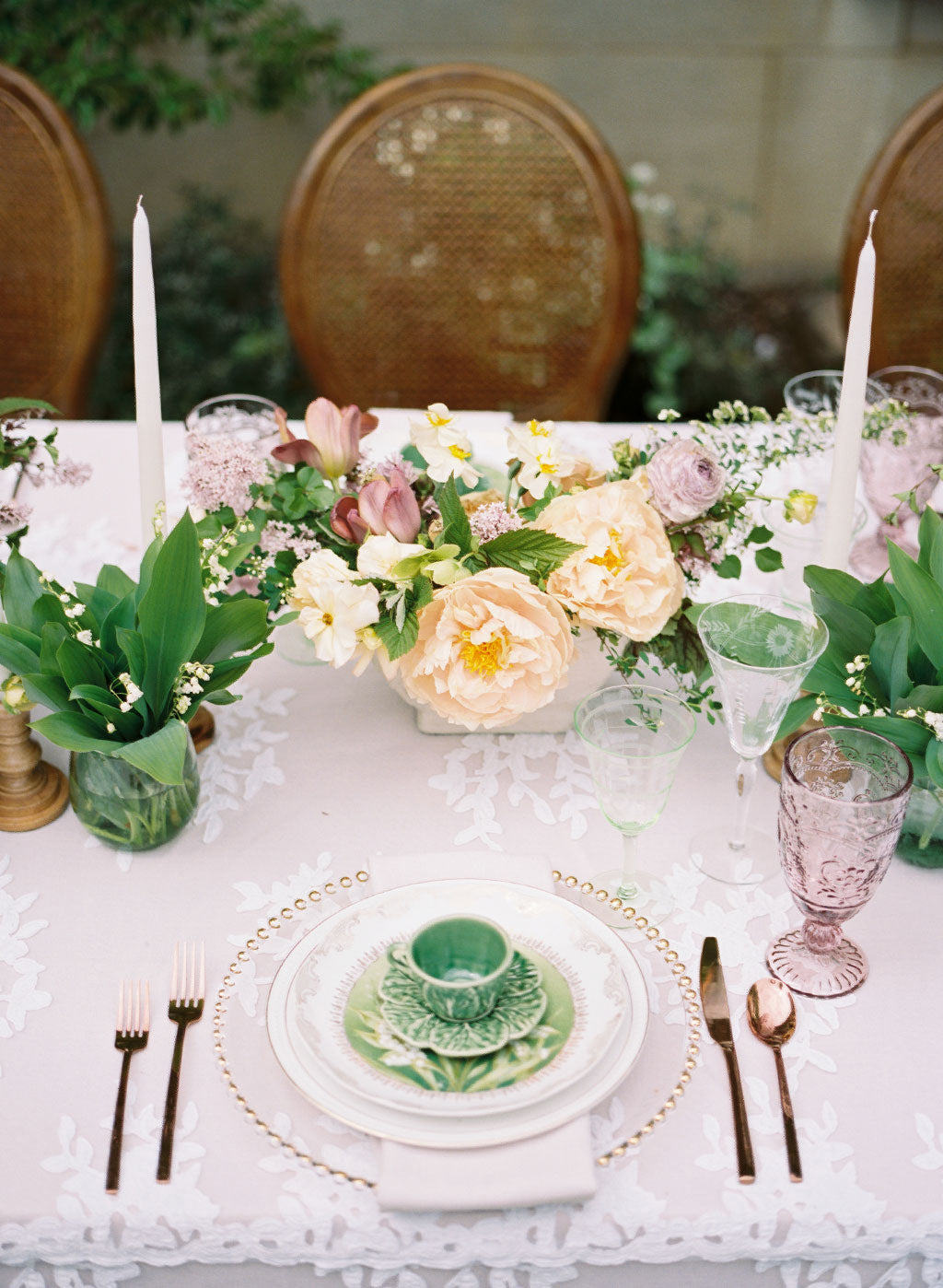 Wedding place setting with wedding flowers