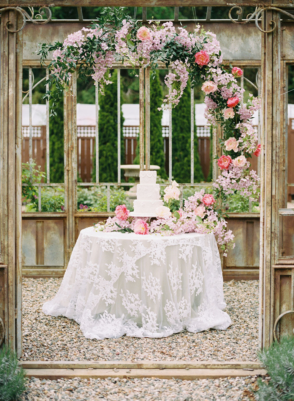 Wedding Cake and Wedding Floral decorations
