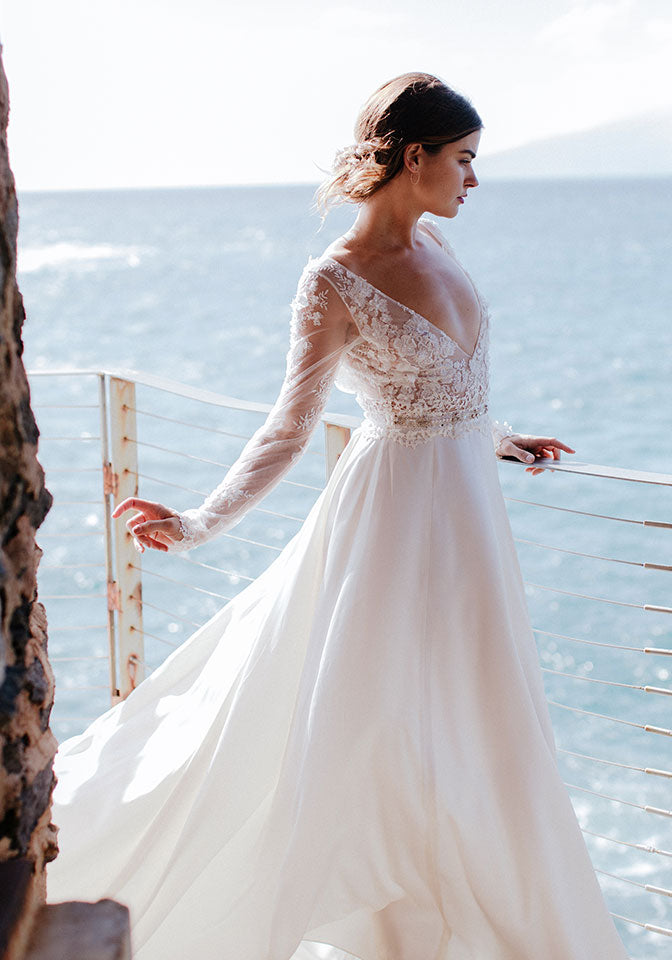 Claire Pettibone Wedding Dress Santorini Ivory Silk and Embroidered
