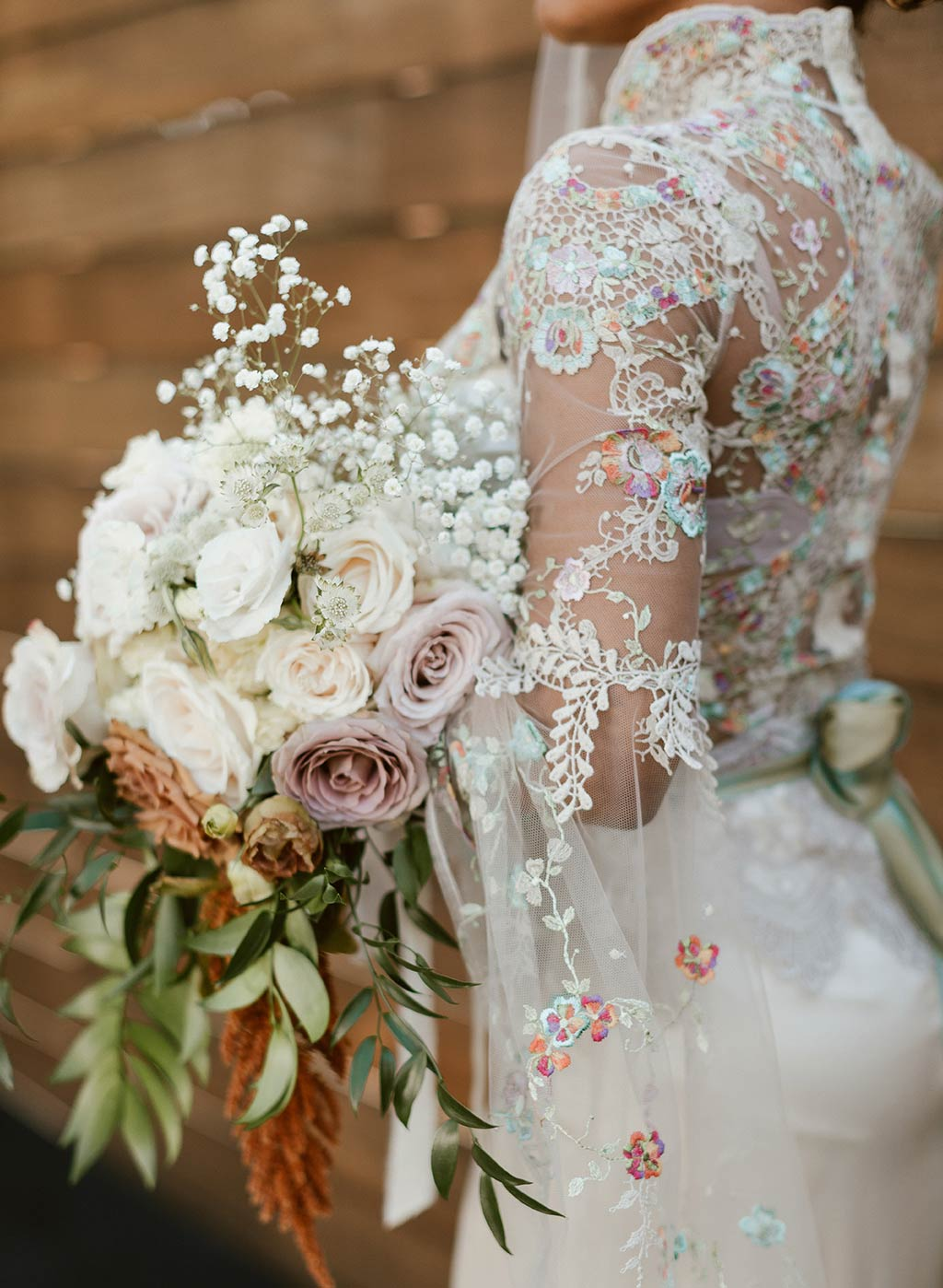 Bridal Floral Bouquet Lace Wedding Dress Sleeves