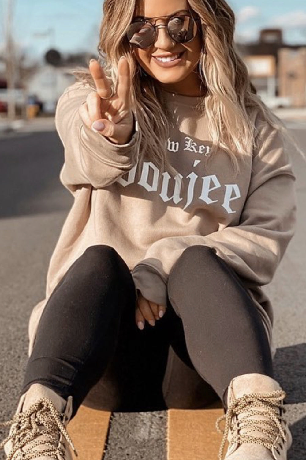 WOMEN'S PRESLIE CREWNECK - Low Key Boujee