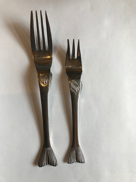 Franciscan Pesce World Collection Fish Cocktail Fork compared to dinner fork