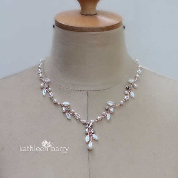Seona leaf necklace with crystals, rhinestones and pearls in rose gold, gold or silver finish