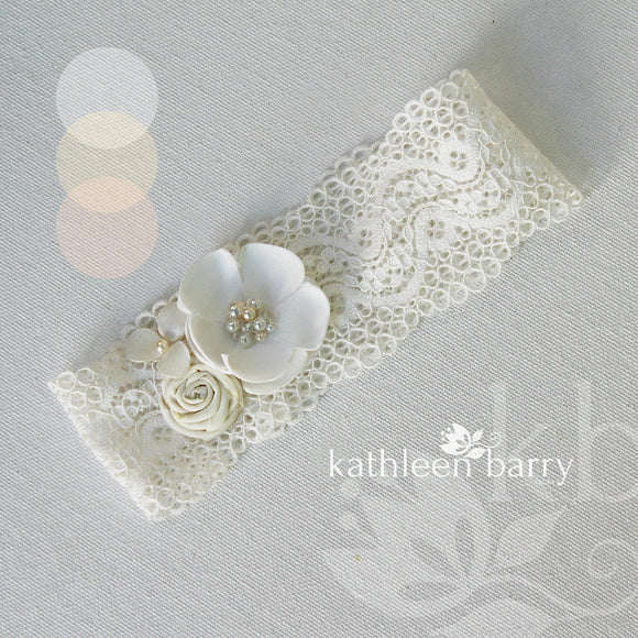 Simone Garter - Shades ivory & off white or blush & dusty pink - Custom colors to order