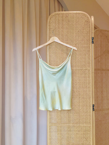 Mei Xing Sleeveless Blouse