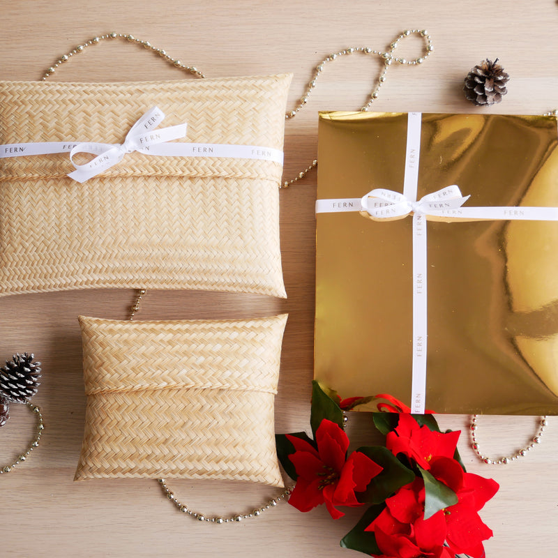 Twilly with free exclusive Christmas packaging - FERN
