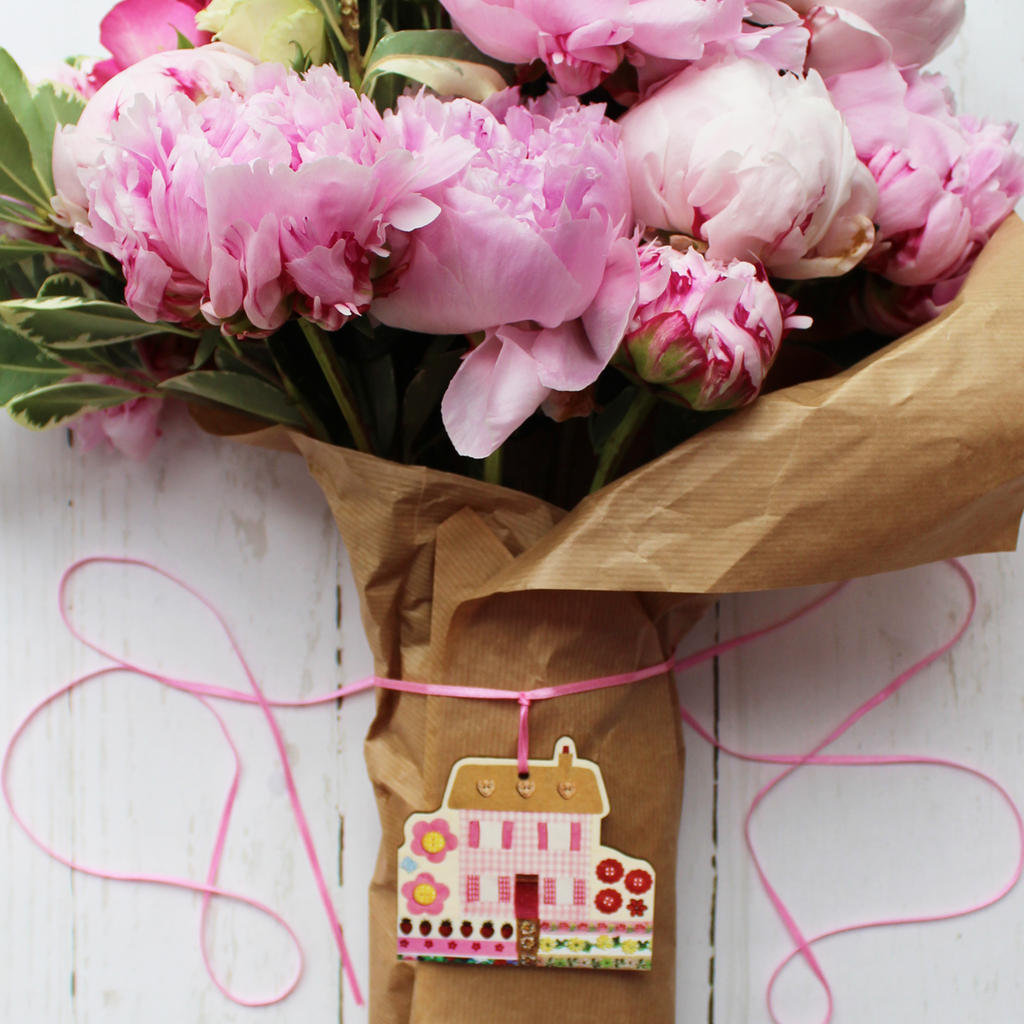 Wooden Flower Decoration Florist Style Cottage