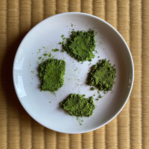 How does the price of matcha affect its chemical composition (theanine, EGCG, catechin, caffeine)?