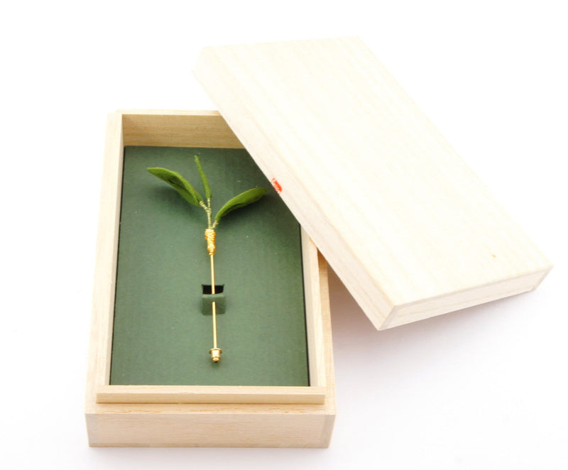 Little Tsumami: Isshin Niyou One Bud, Two Leaves - Tea Hat Pin - 1