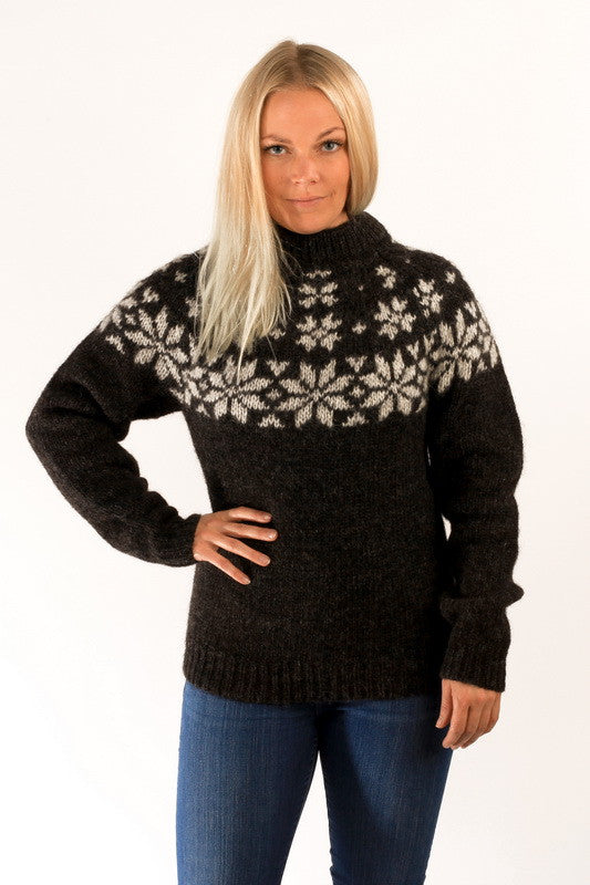 Icelandic sweaters and products - Fönn Wool Sweater Black Wool Sweaters - NordicStore