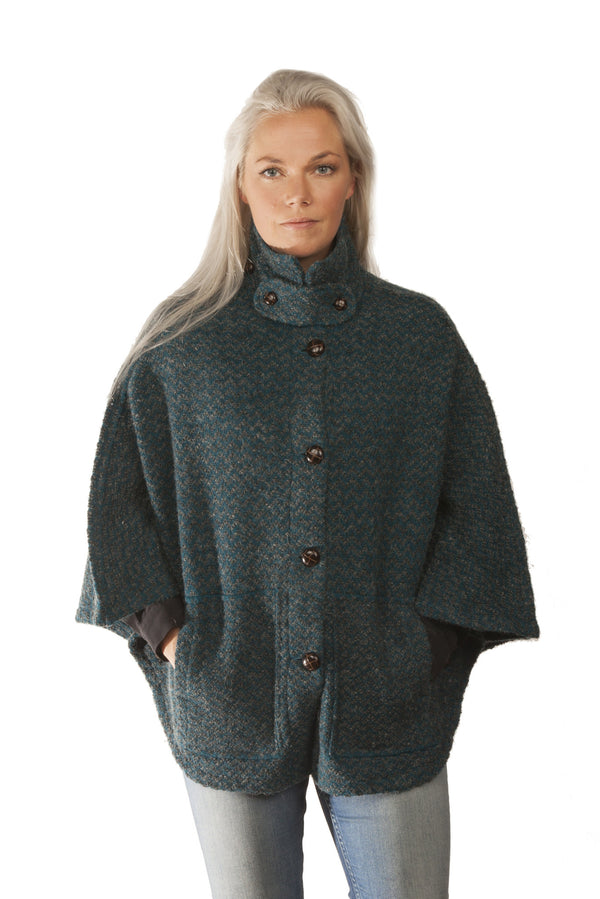 Icelandic sweaters and products - Magga Cape - Green Icelandic Design - NordicStore