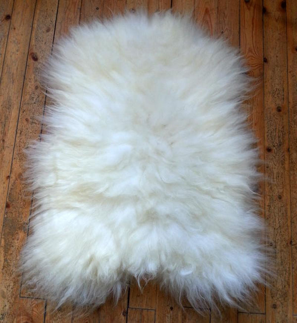 Icelandic sweaters and products - White Sheepskin Sheepskin - NordicStore
