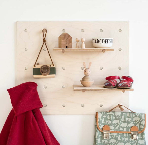 Modern Homes Peg: Peggy Pegboard