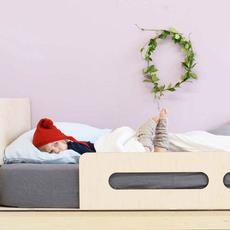 minimalist childrens bedroom design and kids beds