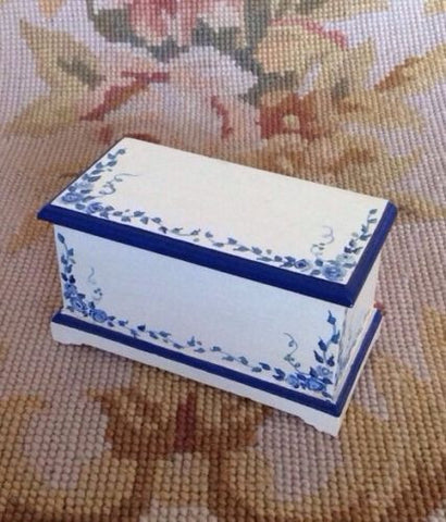 Trunk Luggage 1:12 Dollhouse Miniature