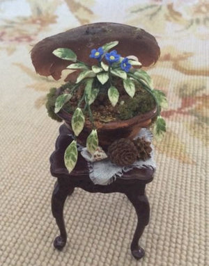 Bespaq Table Stand Dressed 1:12 Dollhouse Miniature