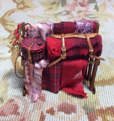 Rack Holder Dressed 1:12 Dollhouse Miniature Outfit