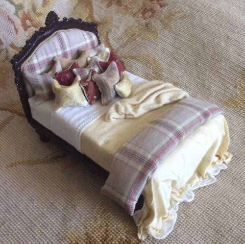 Bespaq Bed with Drape Pillows Dressed 1:12 Scale Dollhouse Miniature