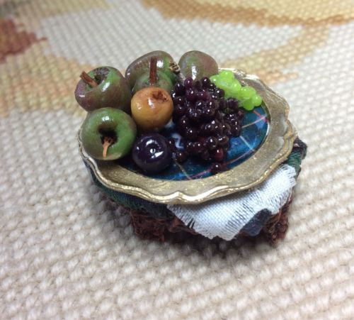 Table Basket Wicker Dressed with Plate Fruit 1:12 Dollhouse Miniature