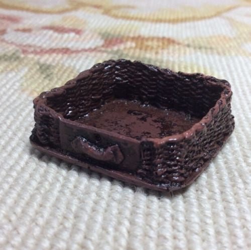 Basket Wicker Container 1:12 Dollhouse Miniature