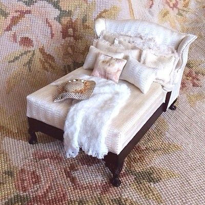 Bespaq Bed with Pillows Drape Hat 1:12 Dollhouse Miniature