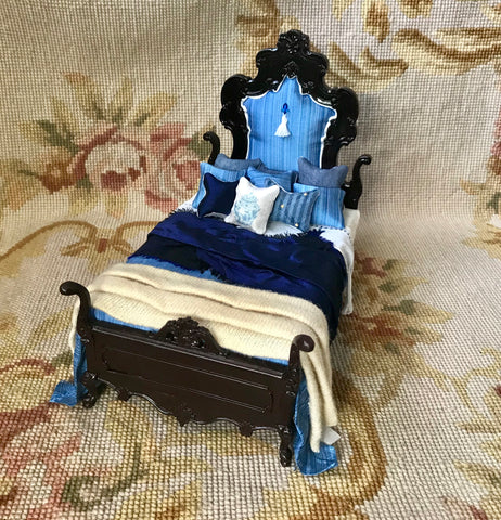 Bespaq Bed Dressed with Pillows & Drape 1:12 Dollhouse Miniature